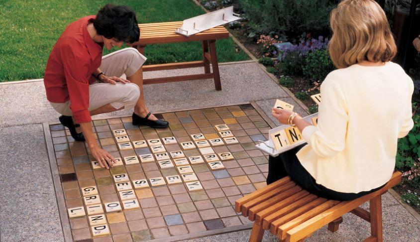 Backyard scrabble game