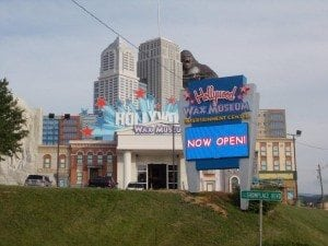 hollywood wax museum opens in pigeon forge tennessee