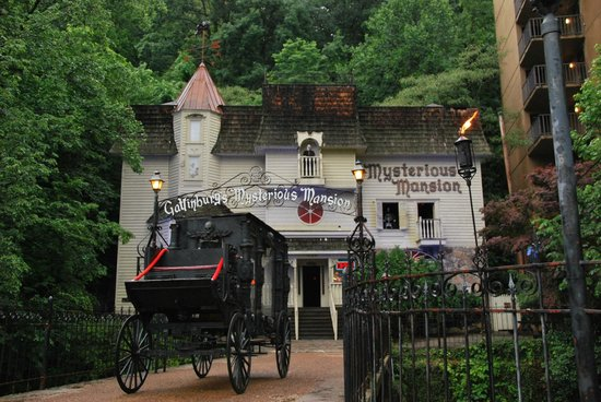 Mysterious Mountain - Best of Pigeon Forge